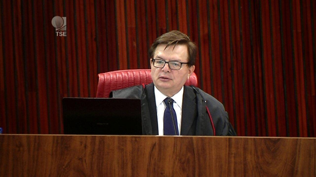 'Sofisticado esquema de arrecadação ilegal de dinheiro público foi montado, diz Benjamin