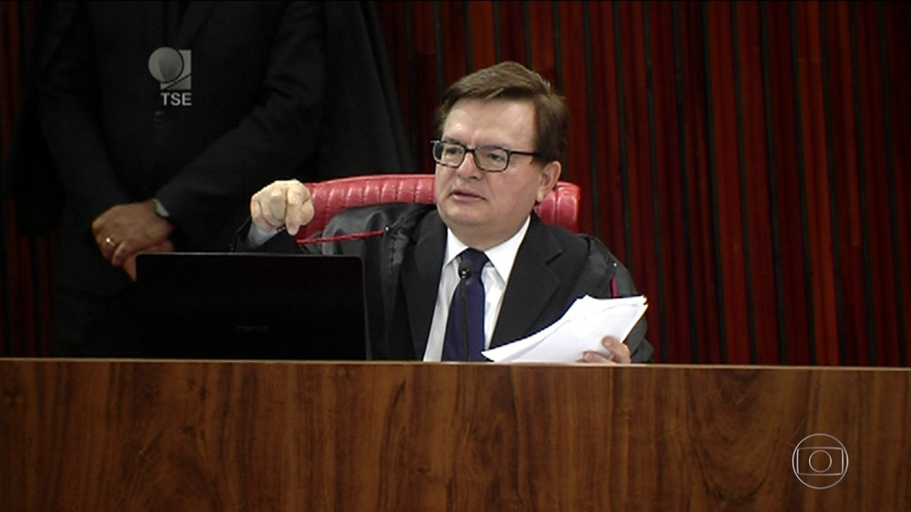 Relator focou leitura do voto nos recursos ilícitos na campanha