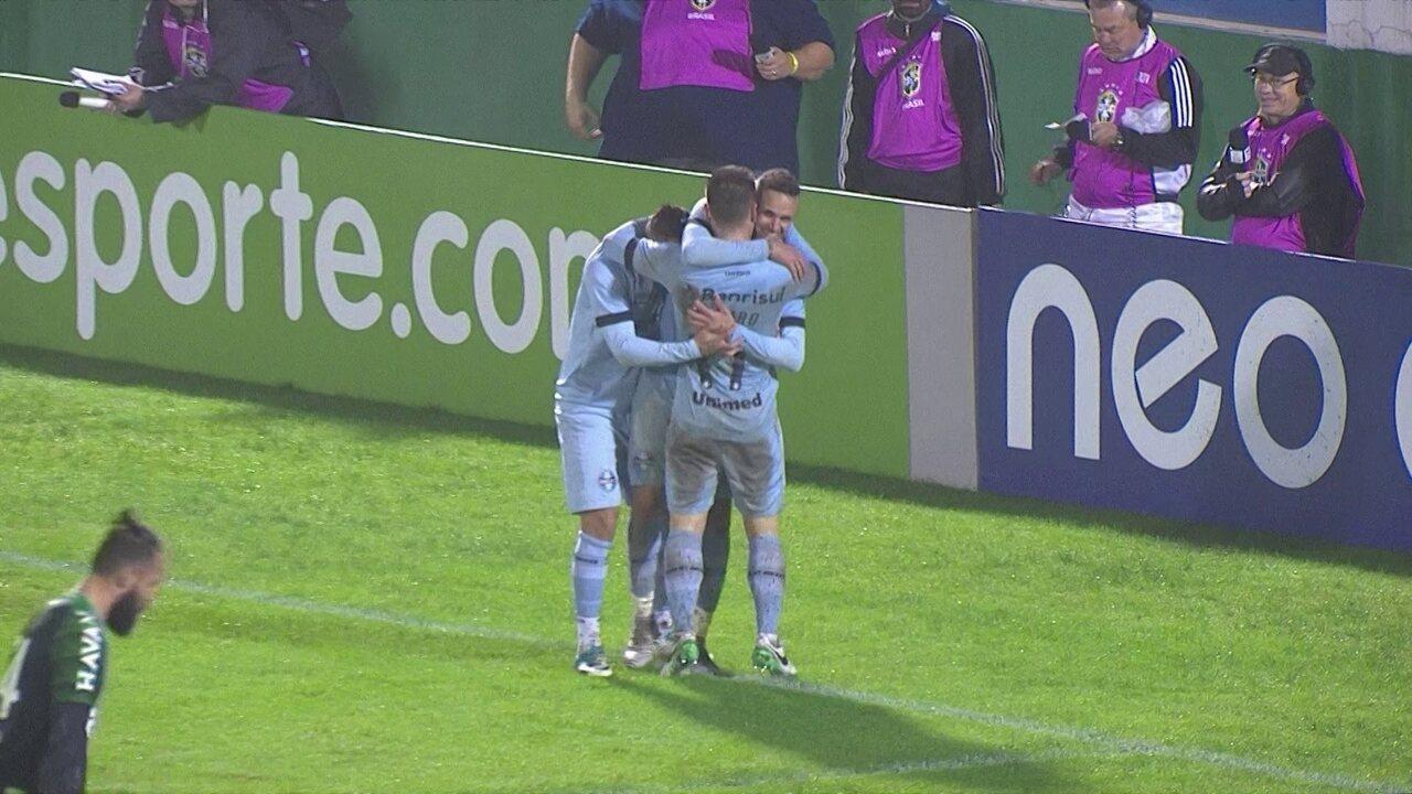 Confira no vídeo os passes e o gol de Luan na vitória sobre a Chape