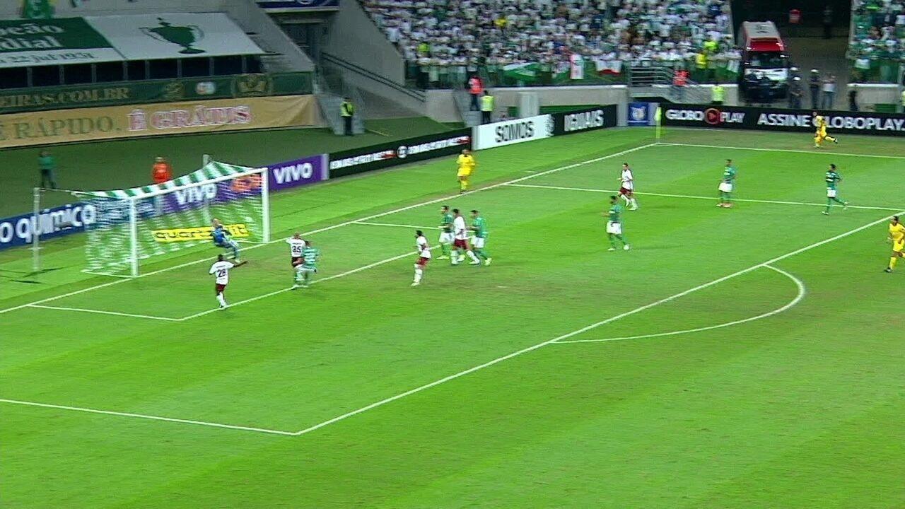 Fernando Prass salva o Palmeiras no fim do primeiro e do segundo tempo contra o Fluminense