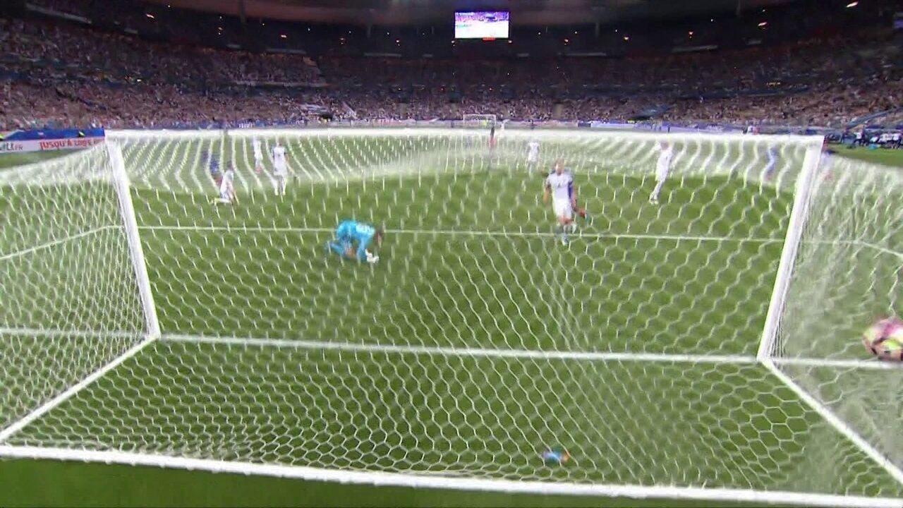 Gol da França! Dembélé recebe de Mbappé e marca , aos 33' do 2º tempo