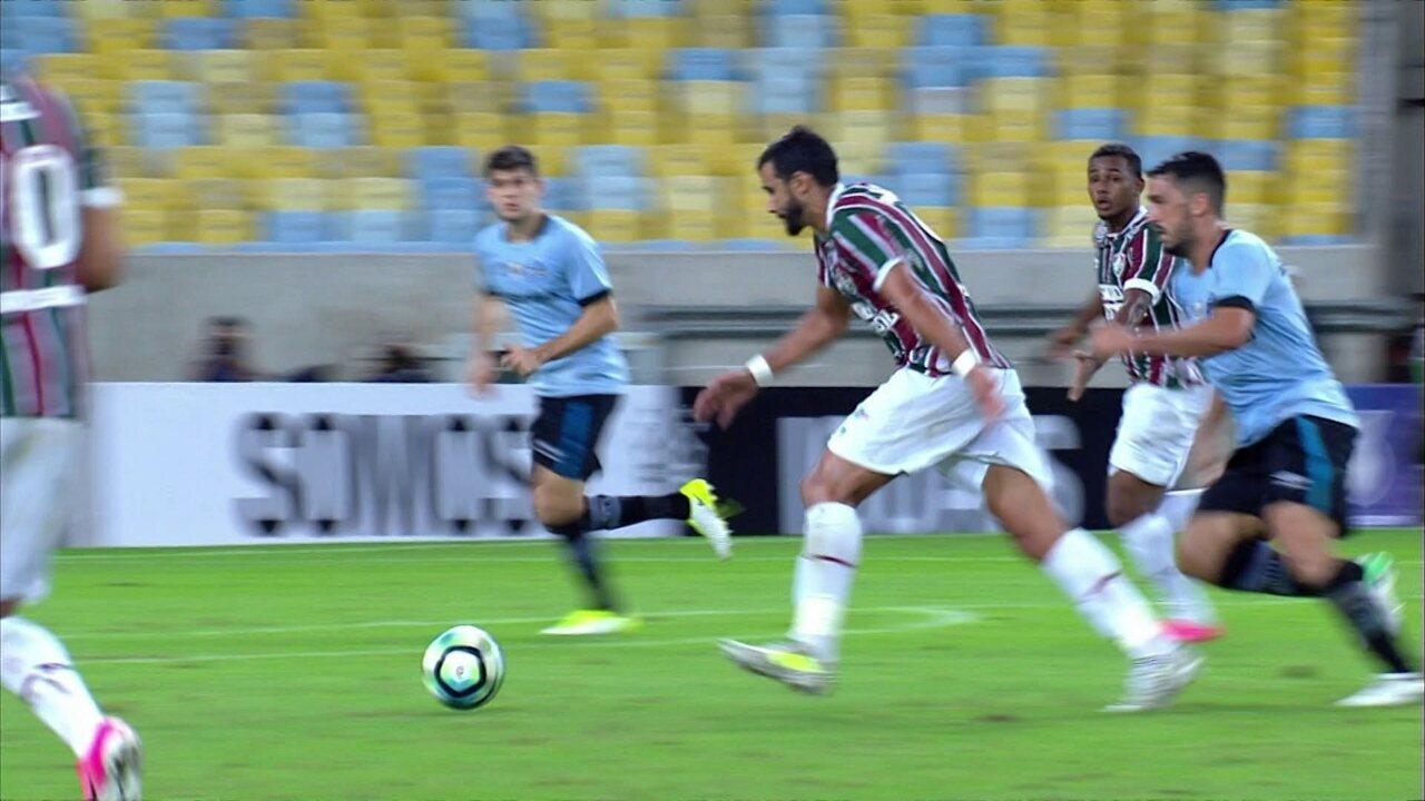 Melhores momentos de Fluminense 0 x 2 Grêmio pela 7ª rodada do Campeonato  Brasileiro 3e735b29754d3