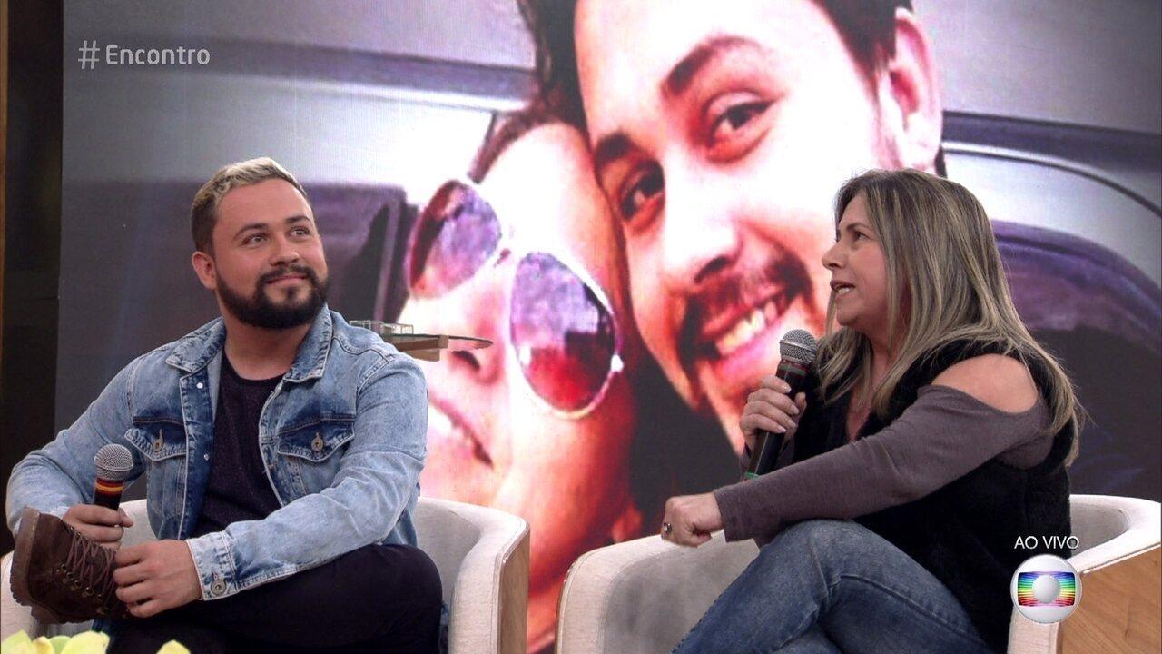 Luis Felipe teve dificuldade em ser aceito na família por ser gay