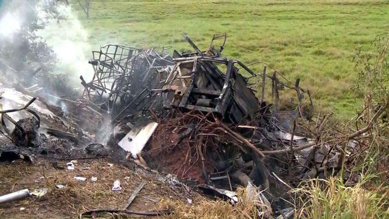 Vídeo mostra fogo em acidente na BR-101, no ES