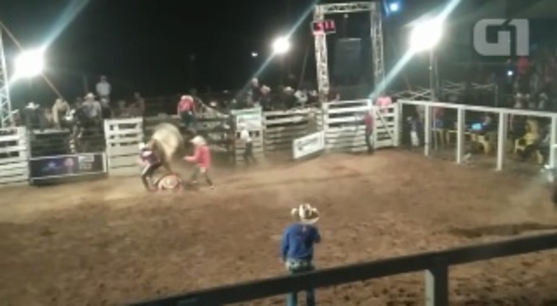 Peão morre depois de ser pisoteado por touro em Alvorada do Oeste, RO
