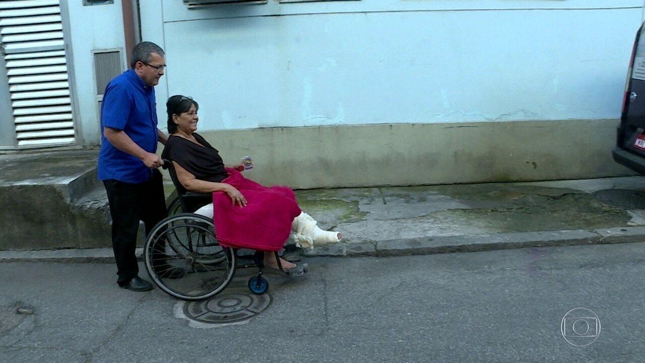 Fotógrafa ferida em acidente na Sapucaí tem alta, depois de quatro meses