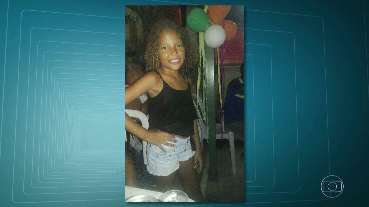 Menina de 10 anos morre em tiroteio entre policiais e bandidos na Camarista Méier