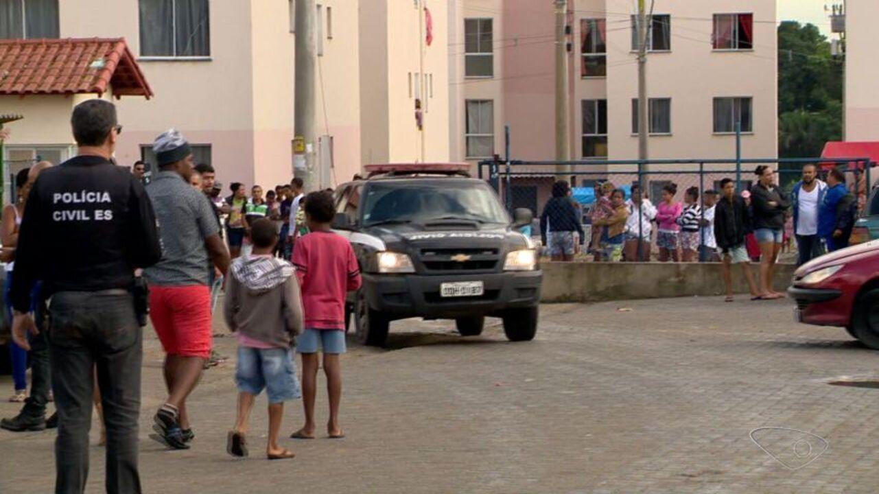 Operação com 400 policiais revista 300 apartamentos, cerca 38 portarias e prende três