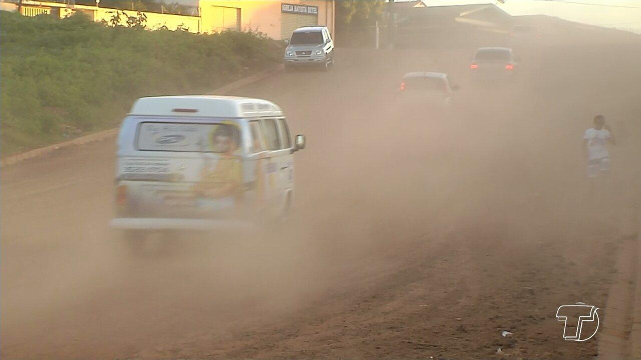 Moradores do bairro Prainha reclamam de excesso de poeira após construção de novo porto