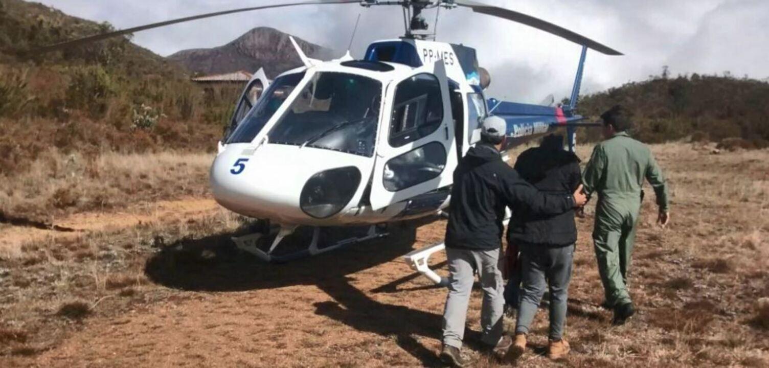 Estudante é resgata de helicóptero após passar mal no Pico da Bandeira