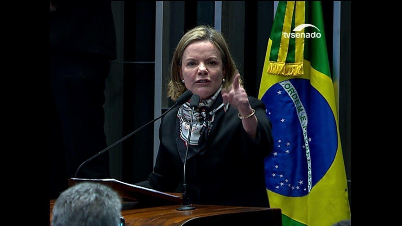 Gleisi Hoffmann volta a criticar os que 'deram golpe' contra a então presidente Dilma