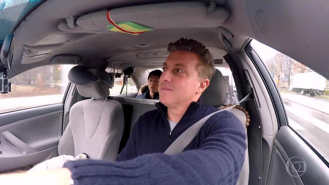 Luciano Huck conhece histórias de brasileiros que moram em Boston no 'Vou de Táxi'