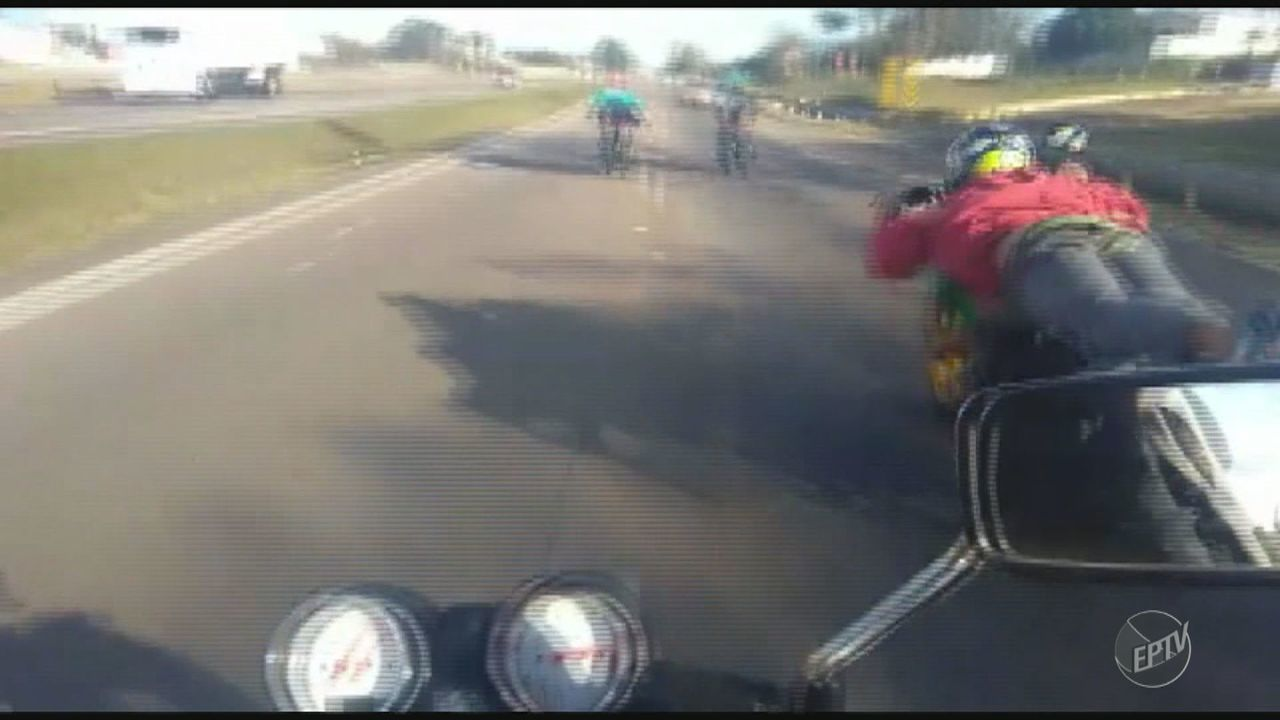 Vídeo mostra flagrante de racha entre motociclistas na Rodovia do Açúcar, em Piracicaba