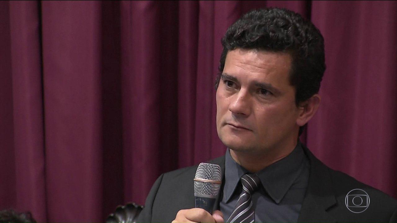 Em resposta a recurso da defesa, Moro compara Lula a Cunha