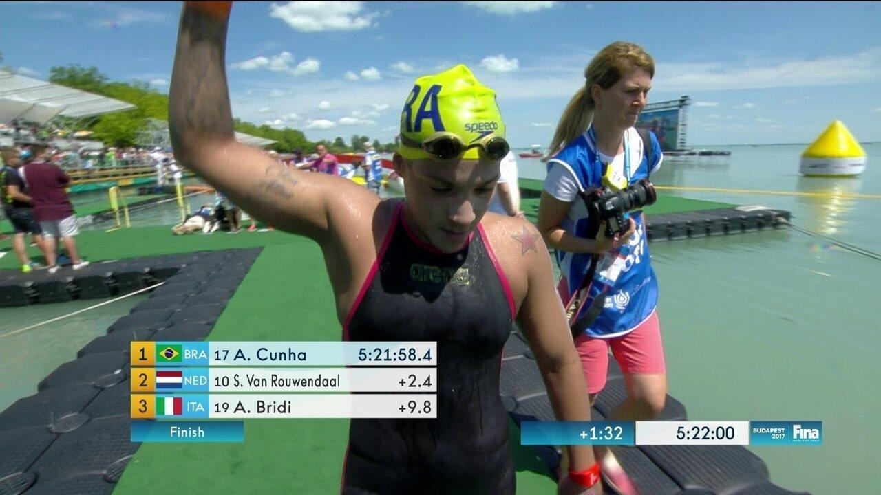 Ana Marcela cunha leva ouro na maratona aquática do Mundial de Esportes Aquáticos