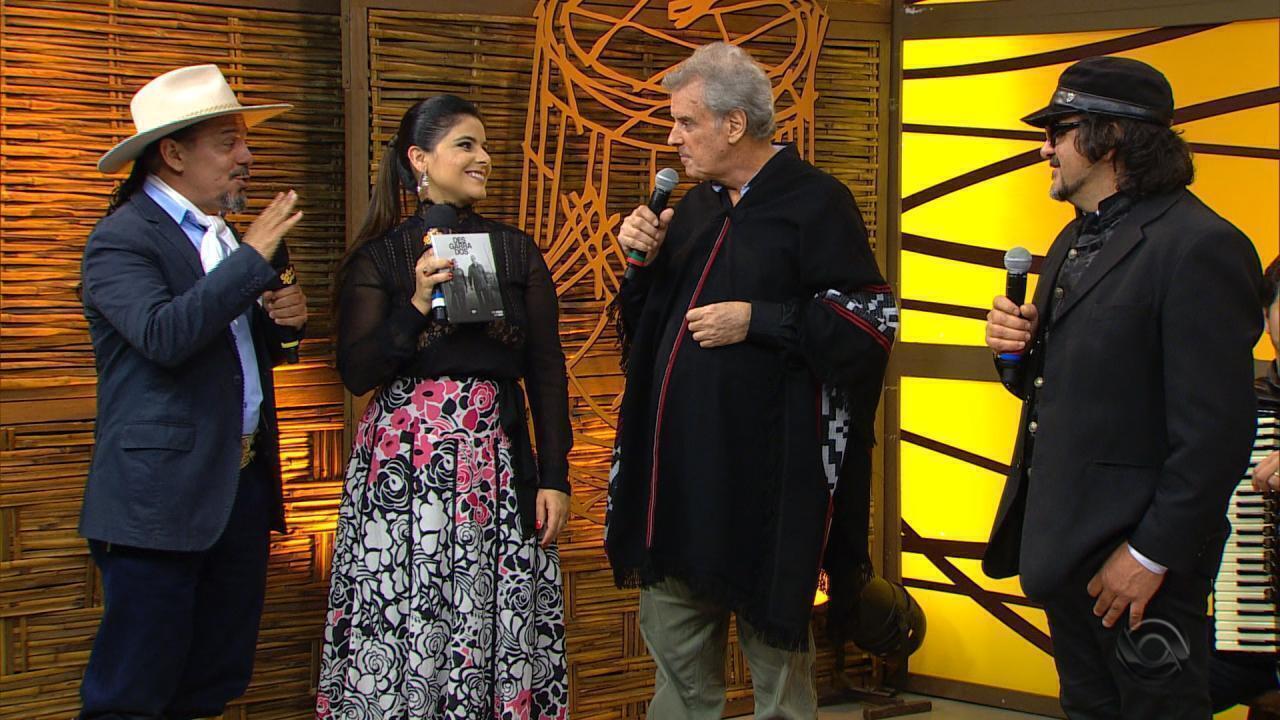 Thedy Corrêa se apresenta ao lado de Mário Barbará e Chico Saratt no 'Galpão' (bloco 3)