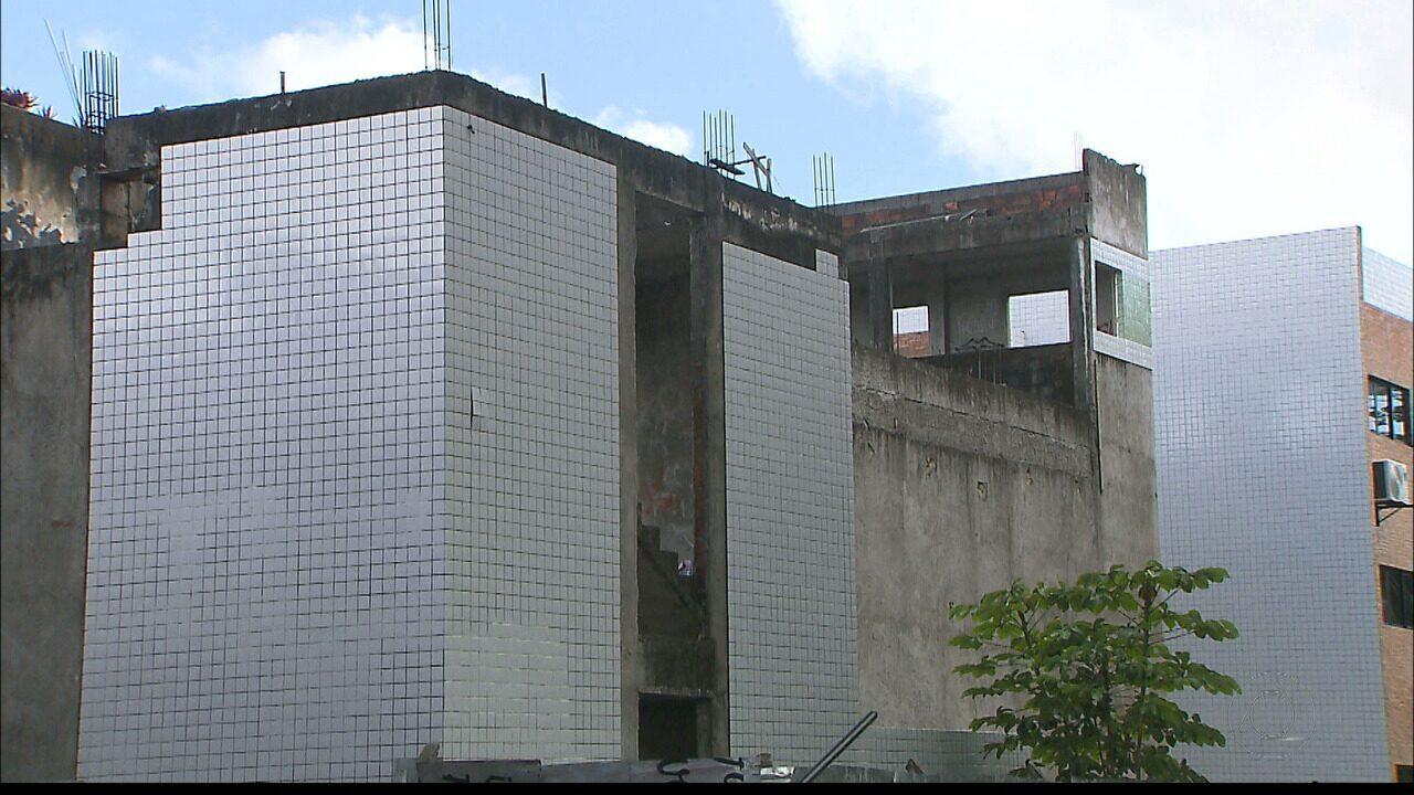 Alunos da UFPB convivem com obras paradas e sem previsão de serem concluídas