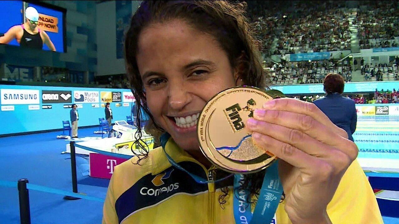 Com a medalha de ouro, Etiene Medeiros fala sobre a prova com chinesa no Mundial
