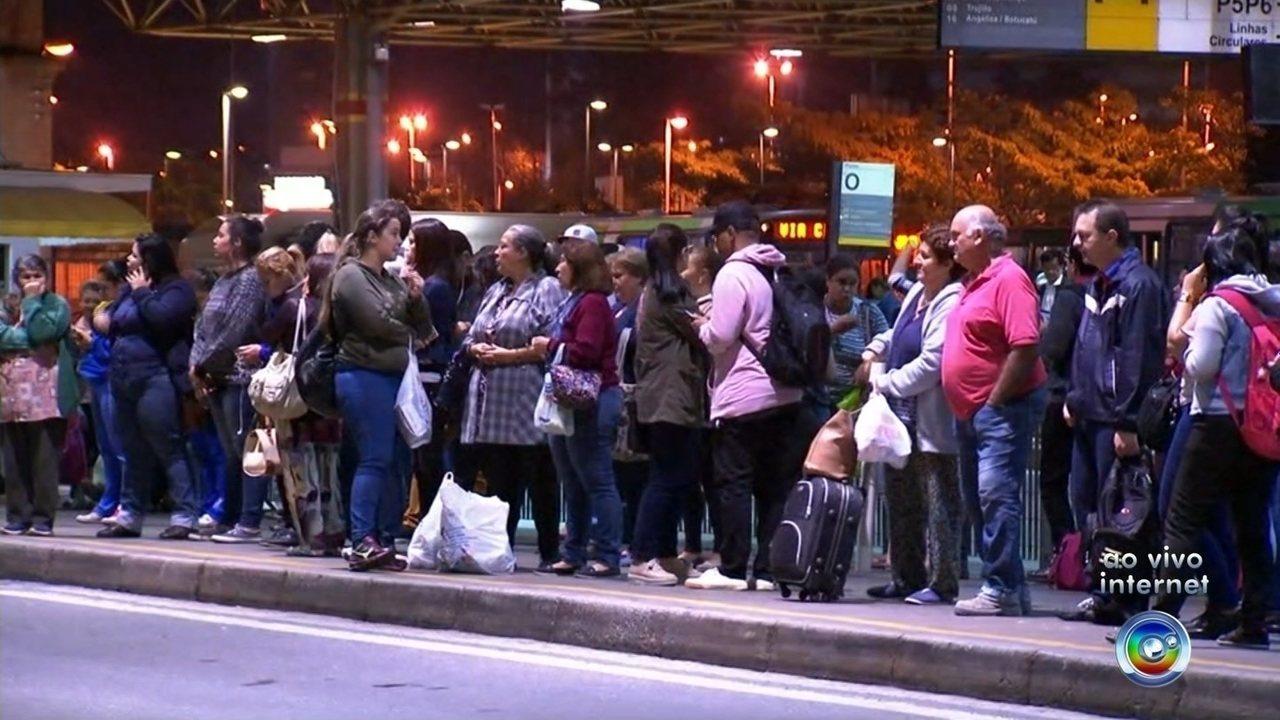 Resultado de imagem para Em nova assembleia, motoristas de ônibus decidem manter greve em Sorocaba