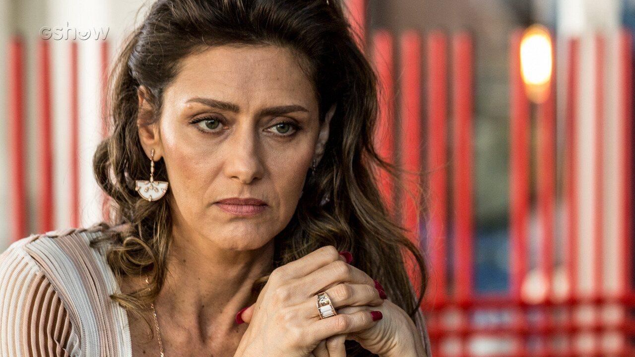Resumo de 31/7 - Joyce flagra Irene e Eugênio juntos