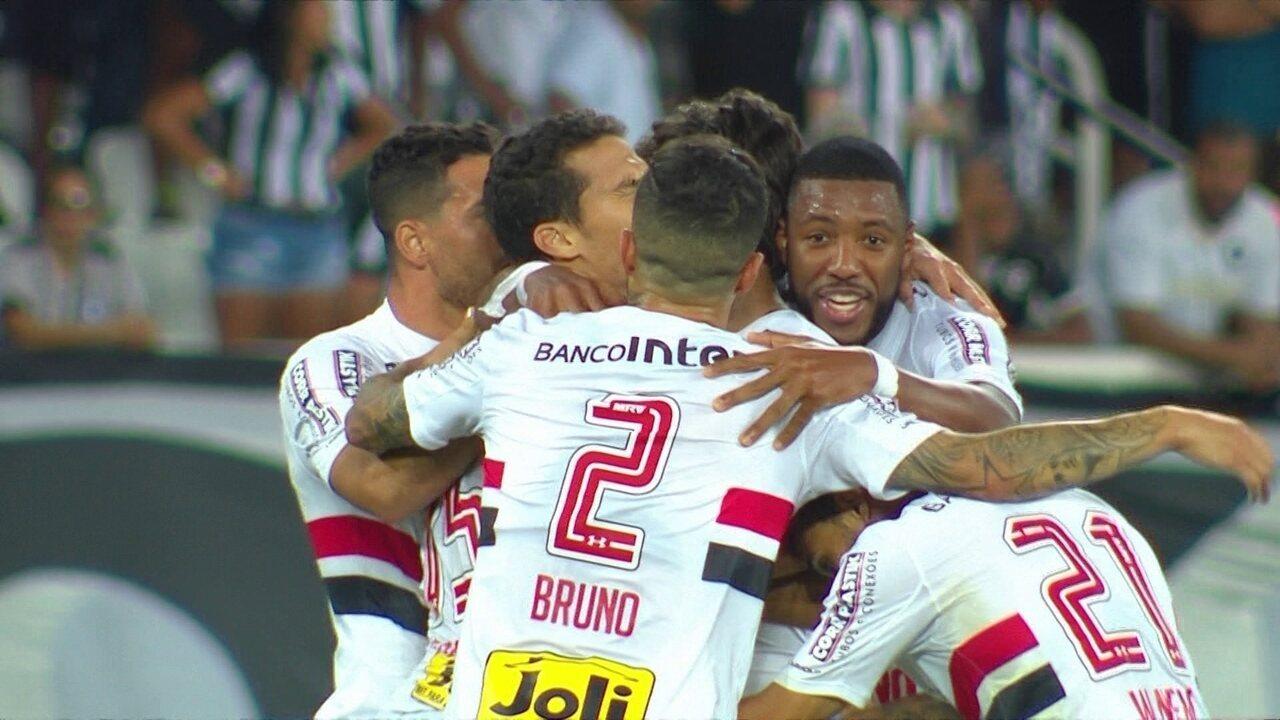 Melhores momentos de Botafogo 3 x 4 São Paulo pela 17ª rodada do Brasileirão