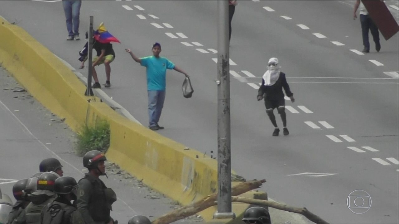 Votação para Constituinte na Venezuela leva 8 milhões às urnas, diz governo