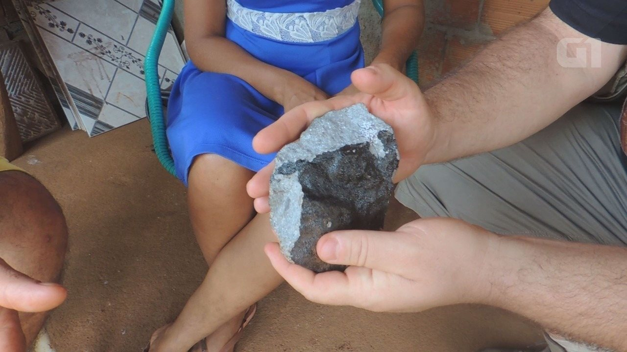 Santista é o primeiro pesquisador a ver amostras de meteorito brasileiro no Pará
