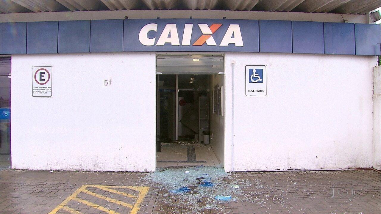 Criminosos explodem banco em Itamaracá, roubam cofre e fogem de barco