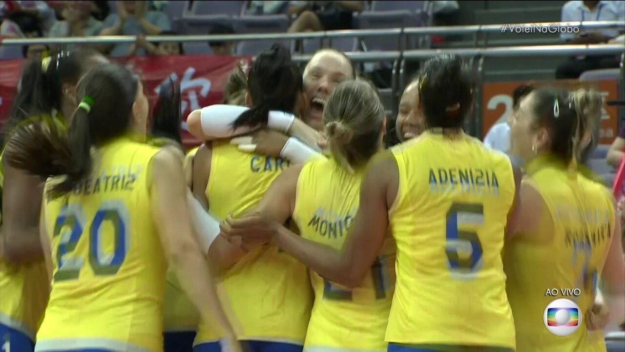 Melhores momentos de Brasil 3 x 1 Sérvia pela semifinal do Grand Prix de vôlei