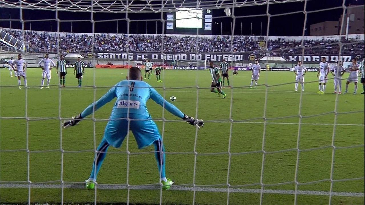 Vanderlei lidera com maior número de defesas difíceis no Campeonato Brasileiro