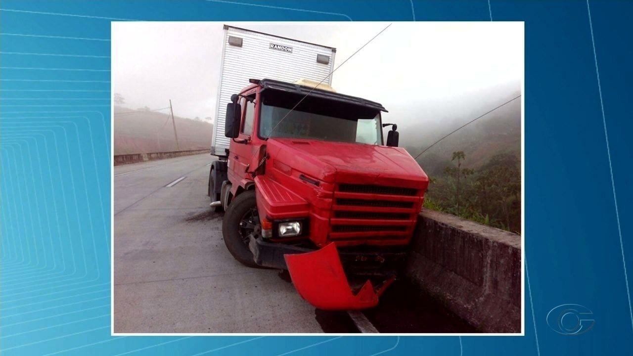 Homem morre atropelado ao tentar se livrar de acidente na BR-101, em Teotônio Vilela