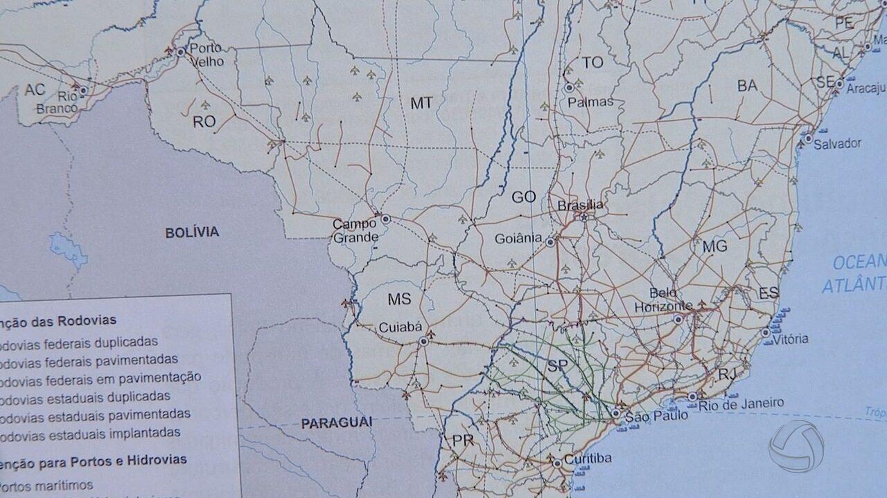 Livro de geografia da rede pública troca capitais de MS e MT