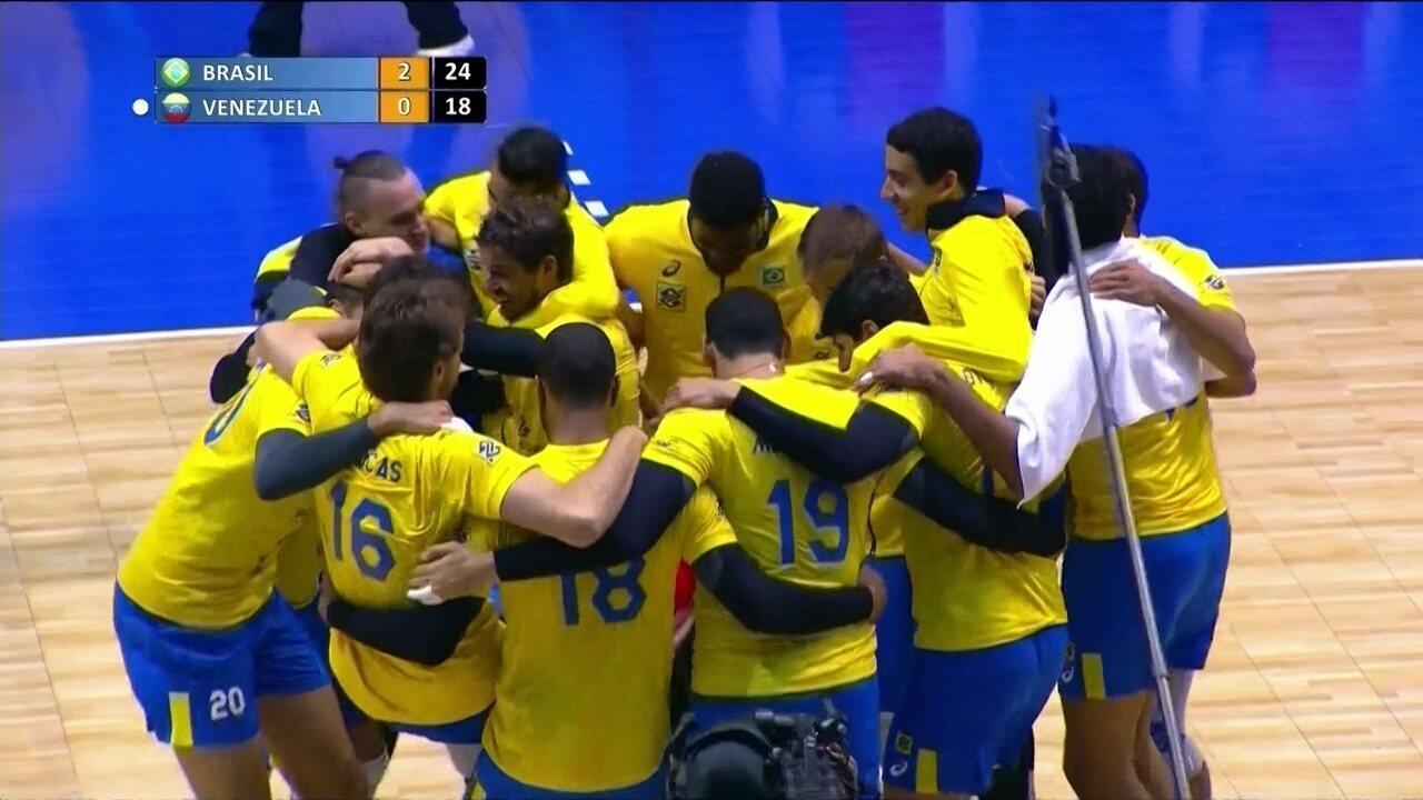 d27a12eace Melhores momentos de Brasil 3 x 0 Venezuela pela Final do Sul-Americano de  Vôlei