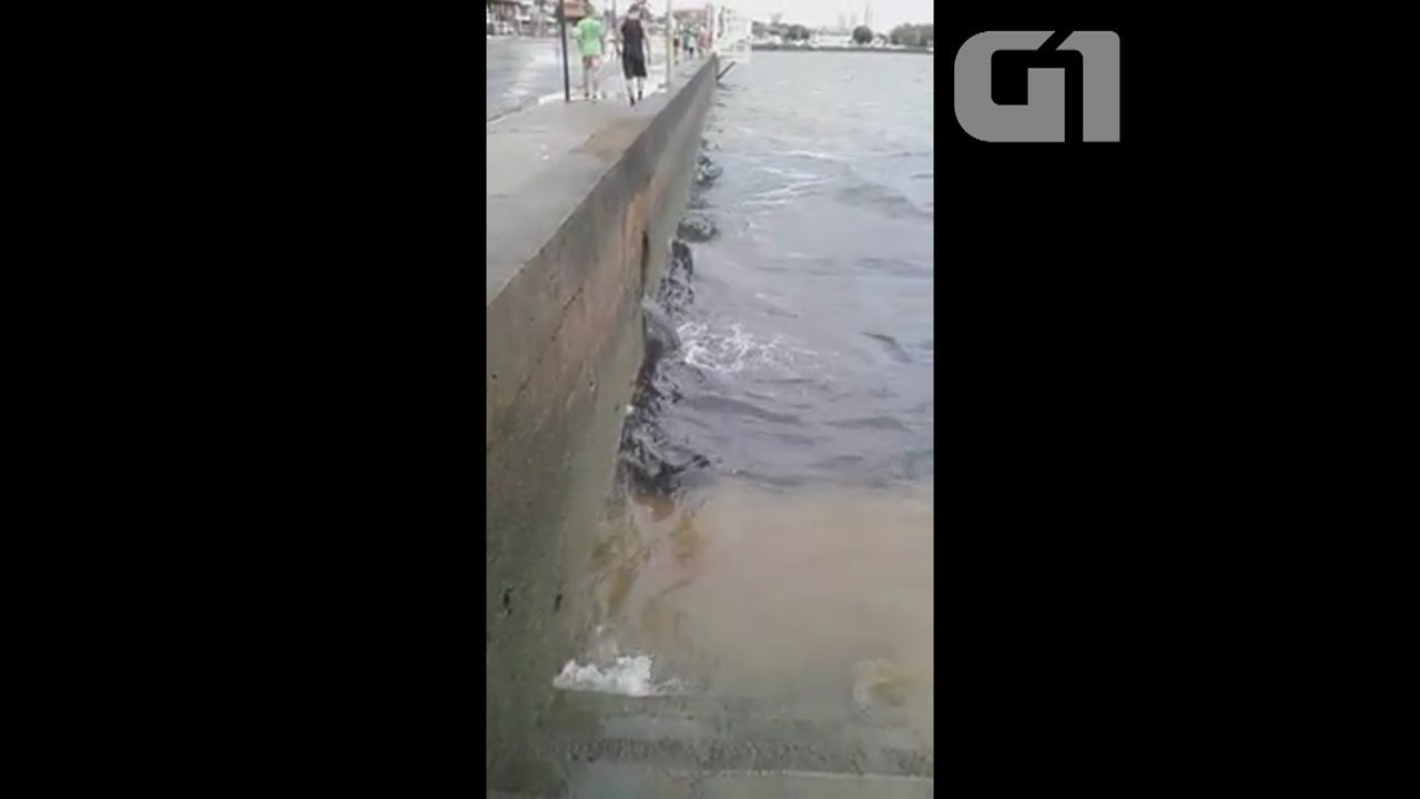 No AP, vídeo mostra esgoto sendo despejado no rio Amazonas