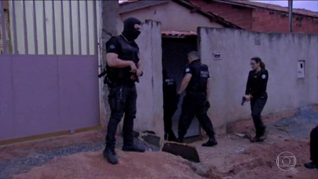 Polícia faz operação contra quadrilha que roubava carros e aplicava golpes