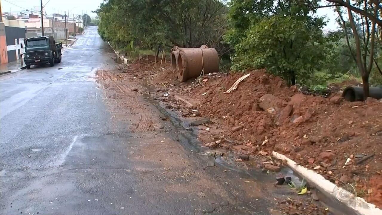 Polícia Ambiental investiga despejo de lixo em áreas de preservação permanente em Marília