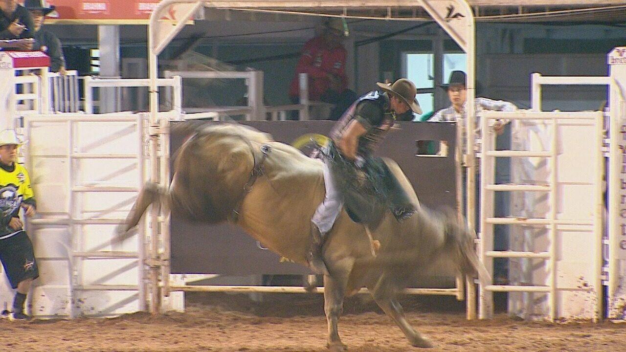 Primeira noite da Festa do Peão de Barretos 2017 tem montaria em touros