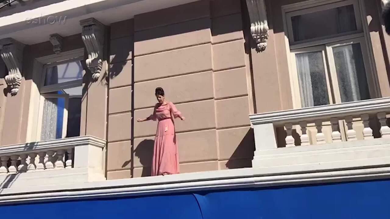 'Pega Pega': Veja detalhes da cena em que Maria Pia ameaça se jogar do alto do hotel