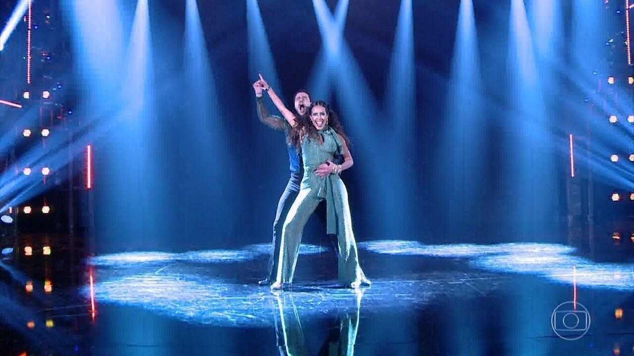 Joaquim Lopes e Tati Scarletti dançam no ritmo do baladão