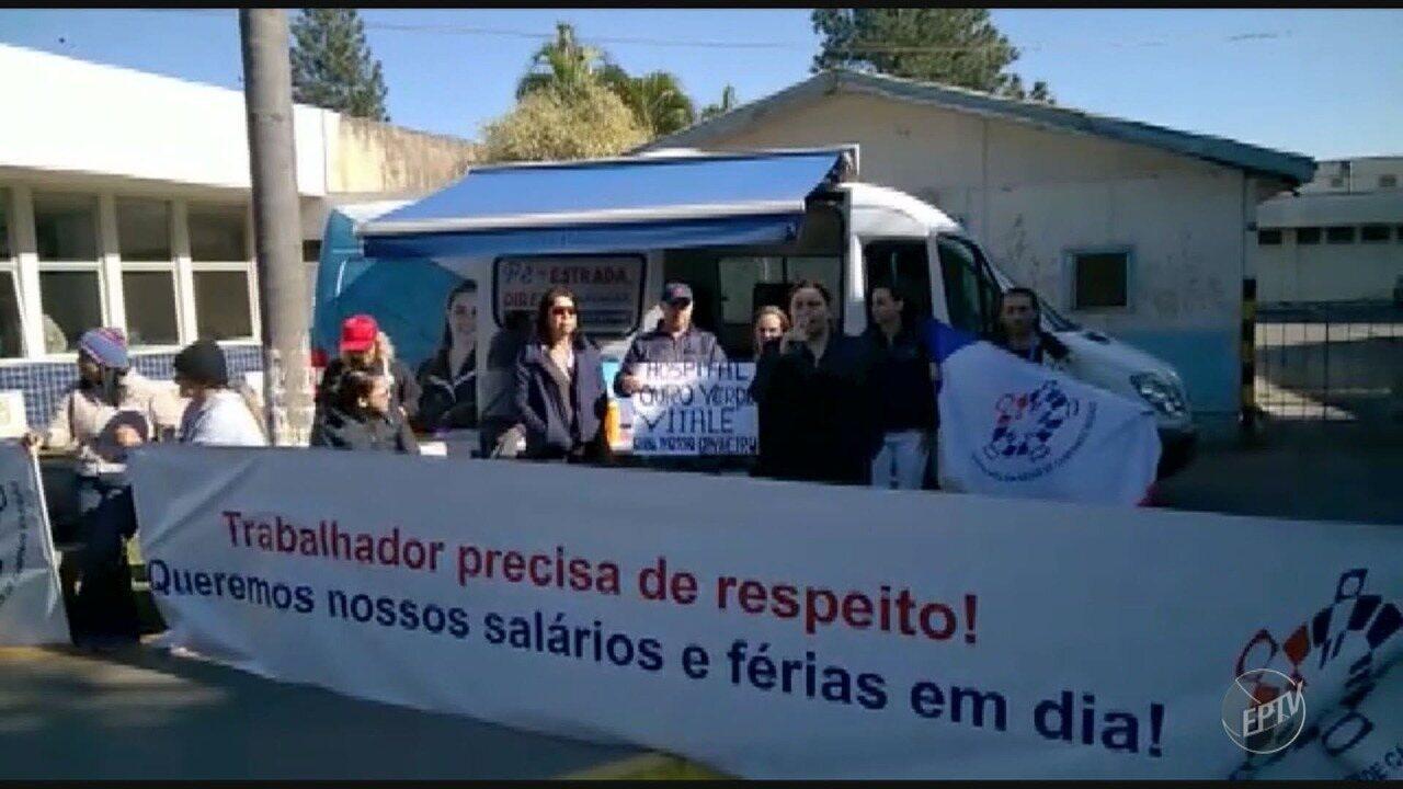 Ex-funcionários fazem protesto no Hospital Ouro Verde para cobrar direitos não pagos