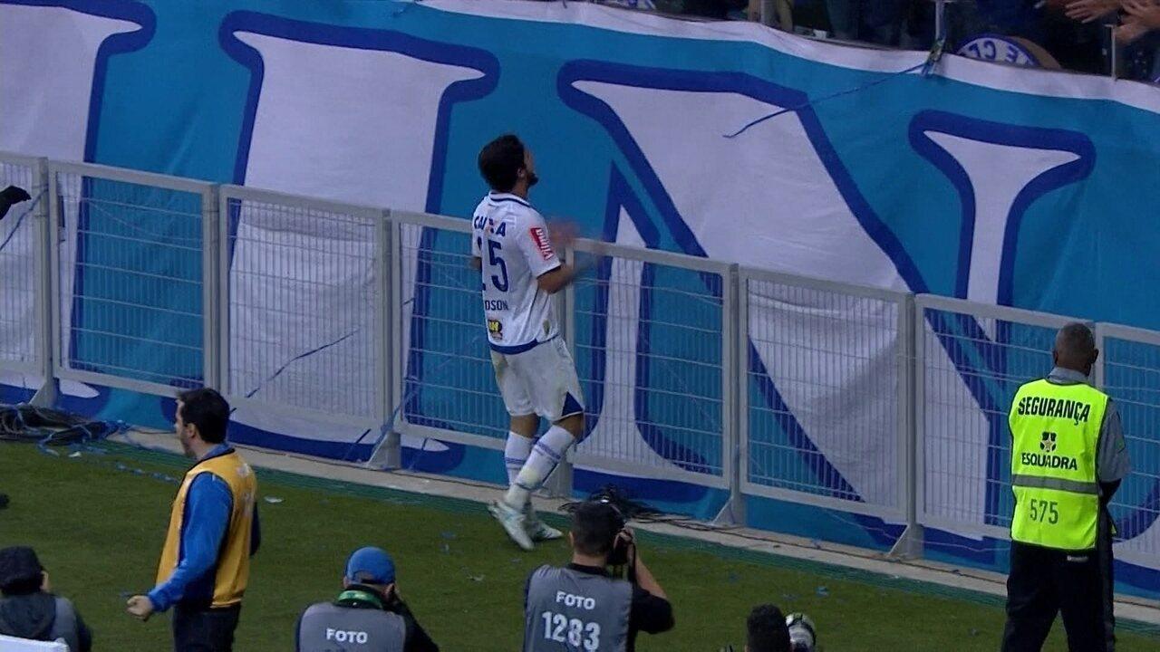 Thiago Neves deu a assistência pro gol de Hudson na segunda partida da semifinal contra o Grêmio.