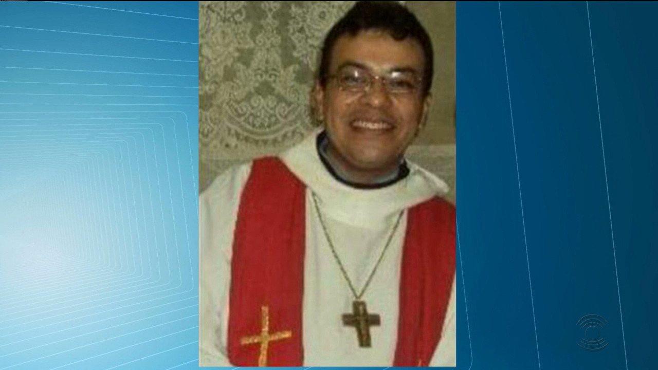 Padre Pedro Gomes é encontrado morto dentro da da casa paroquial da cidade de Borborema, PB