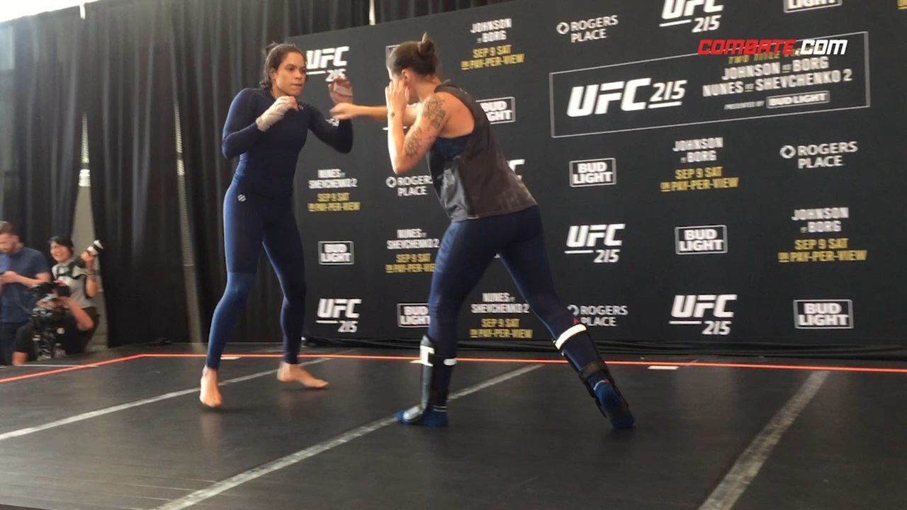 Amanda Nunes e Valentina Shevchenko roubam a cena no treino aberto do UFC 215