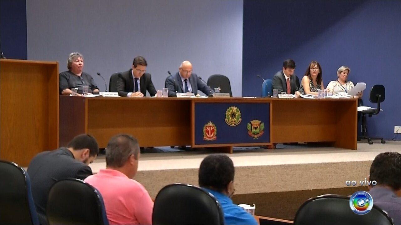 Vereadores votam relatório que pode cassar prefeito de Campo Limpo Paulista