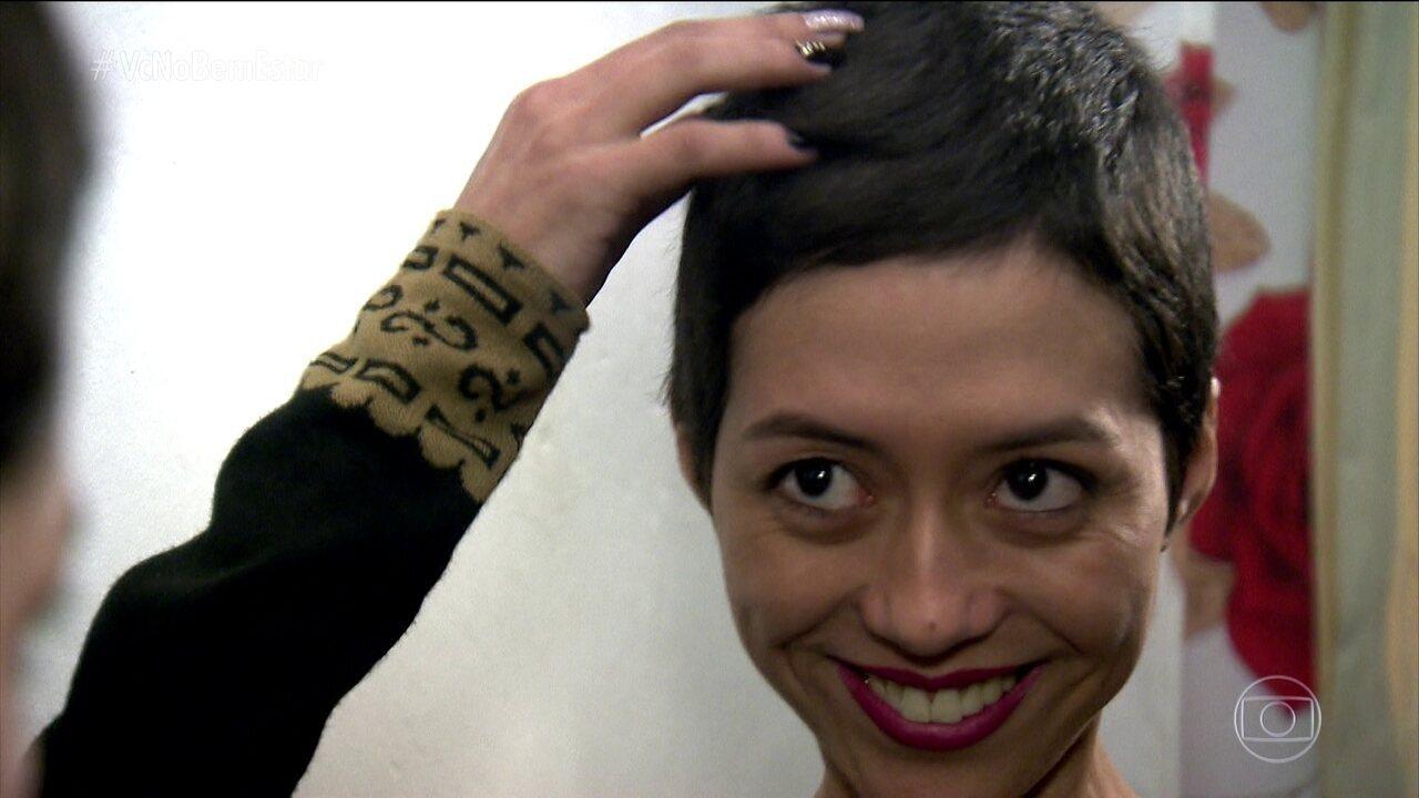 Mudanças no corte e na cor dos cabelos ajudam Leticia a enfrentar o câncer