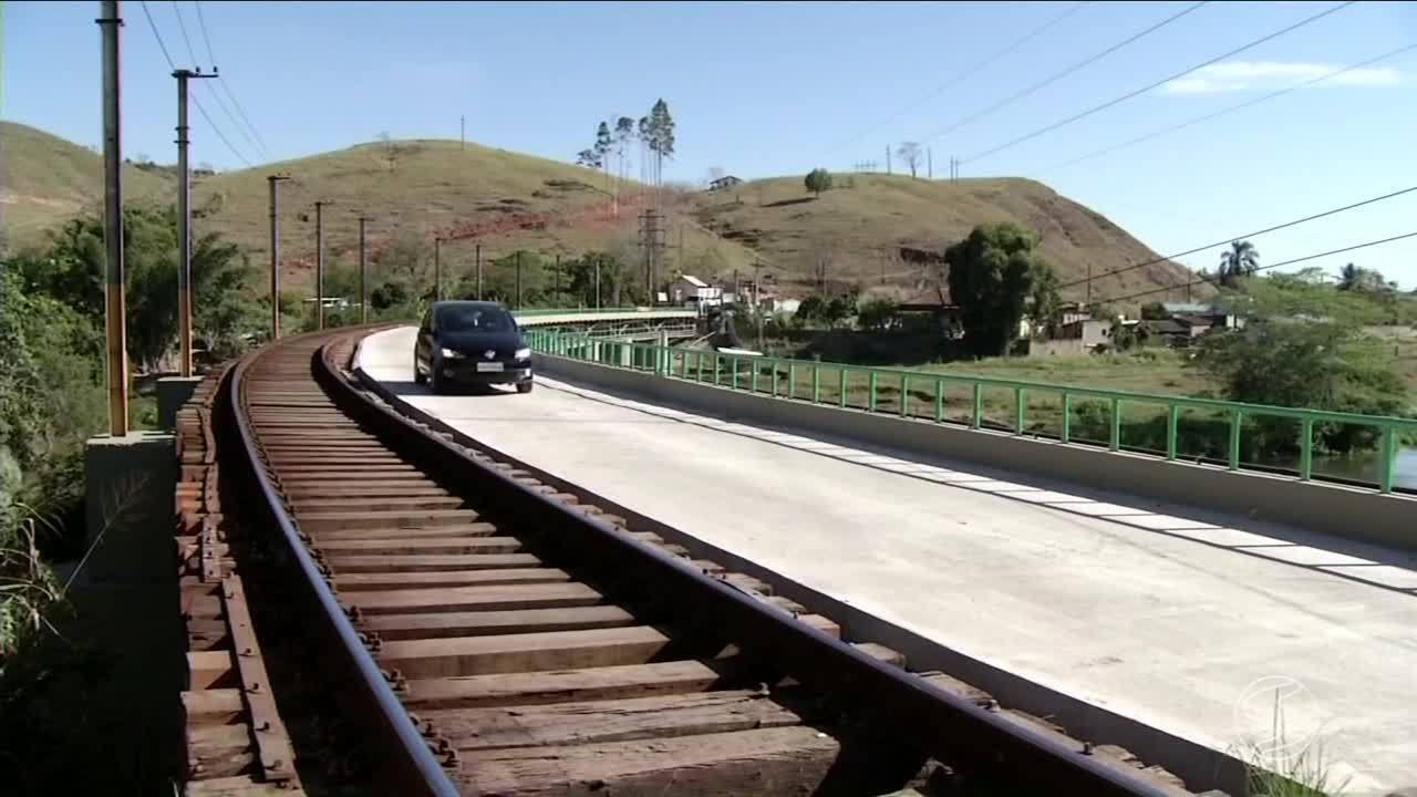 Depois de quase um ano, ponte do distrito de Barão de Juparanã é liberada em Valença, RJ