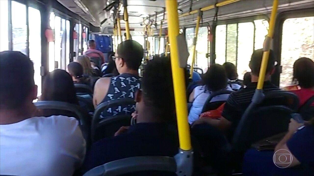 Após redução em passagens, número de ônibus com ar-condicionado nas ruas diminui