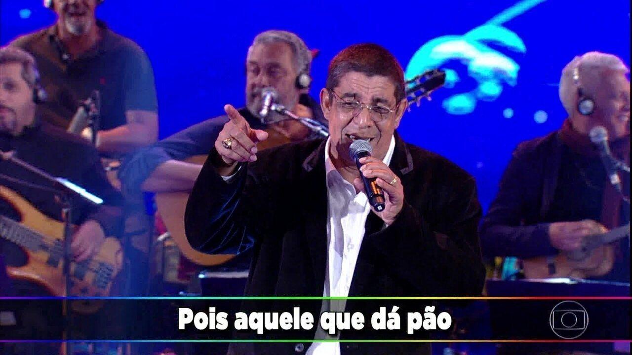 Zeca Pagodinho canta 'Camarão que Dorme a Onda Leva'