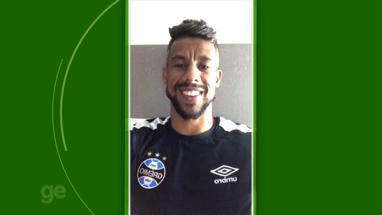 Jogadores parabenizam Renato Portaluppi por um ano de comando no Grêmio
