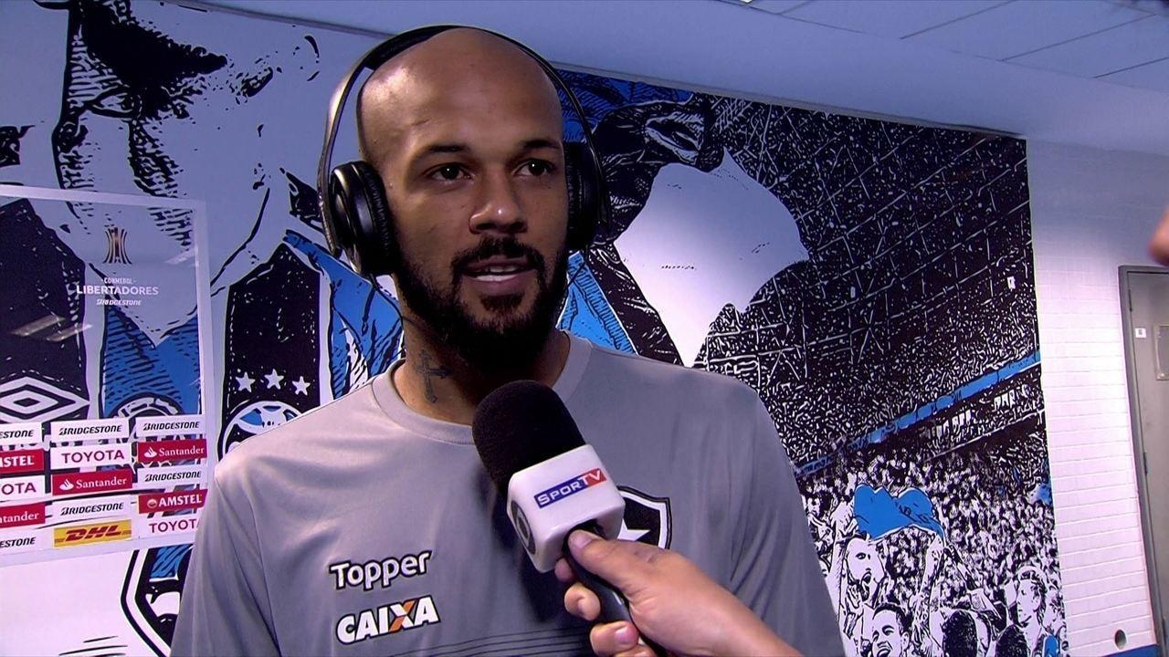 Bruno Silva diz que Botafogo criou chances mas não conseguiu fazer gol e parabeniza Grêmio